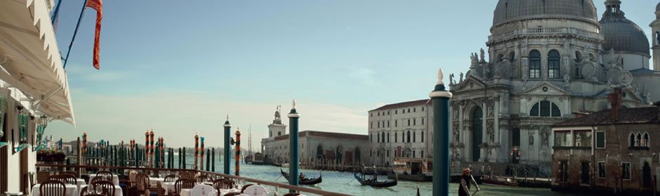 Discover Venice with a taxi water tour